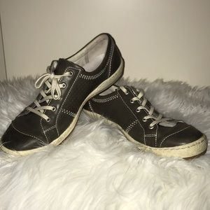 Josef Seibel Leather tennis shoes. EU=39